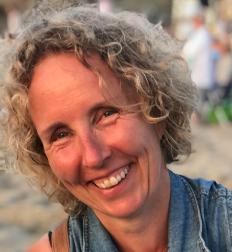 Sandra Bakker
